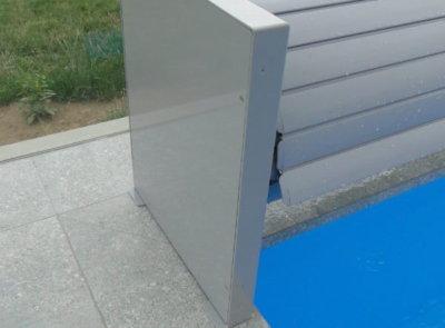 Zakrytí bazénu nad vodou