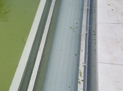 Podhladinové navíjení lze osadit i na bazény Compass vybavené rološachtou.
